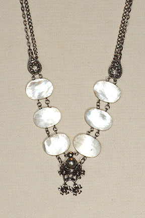 Pearl necklace4x6@72